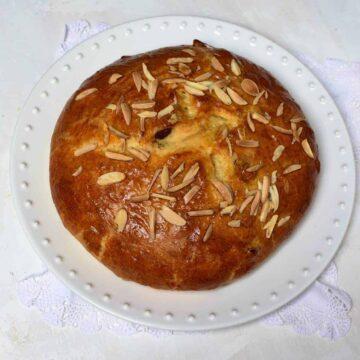 Czech Easter Bread velikonoční mazanec