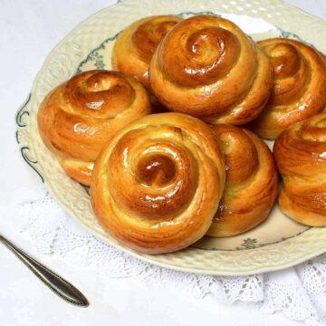 czech easter sweet pastry jidáše