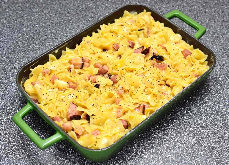 czech šunkofleky ham and noodle bake