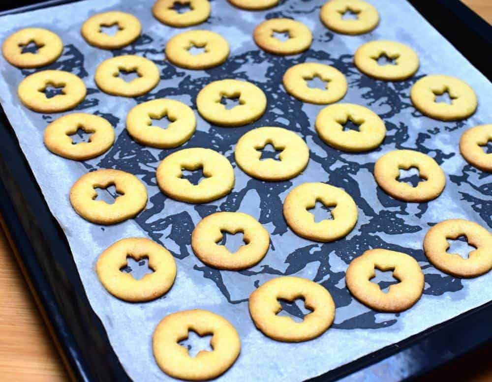 baked linecké cookies
