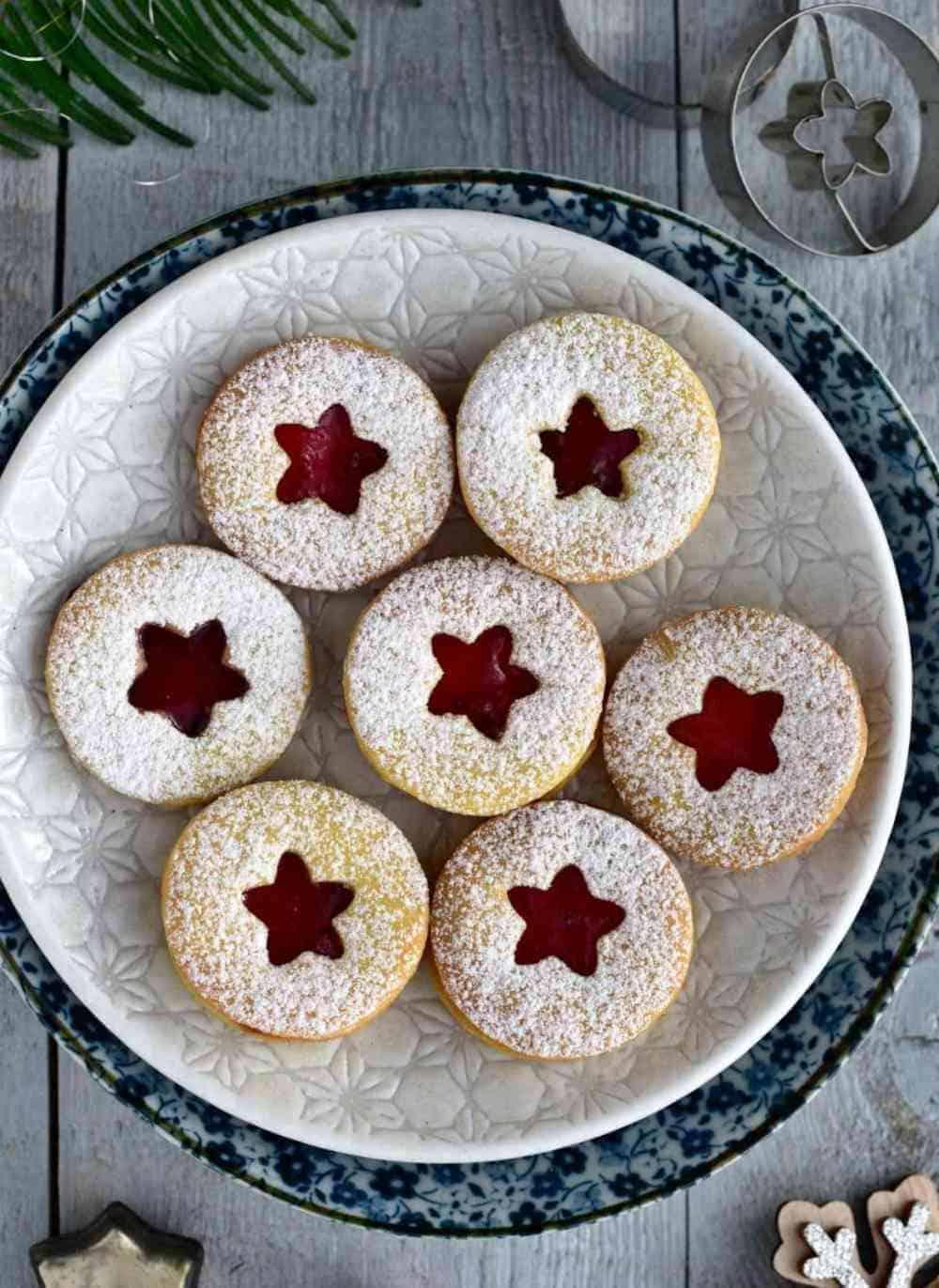 Czech linecké, linzer Christmas cookies