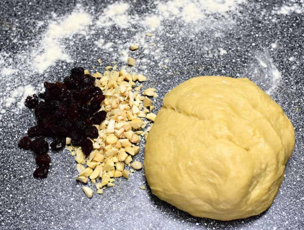 vánočka dough