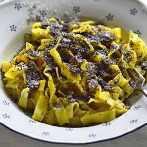 czech noodles with poppy seeds