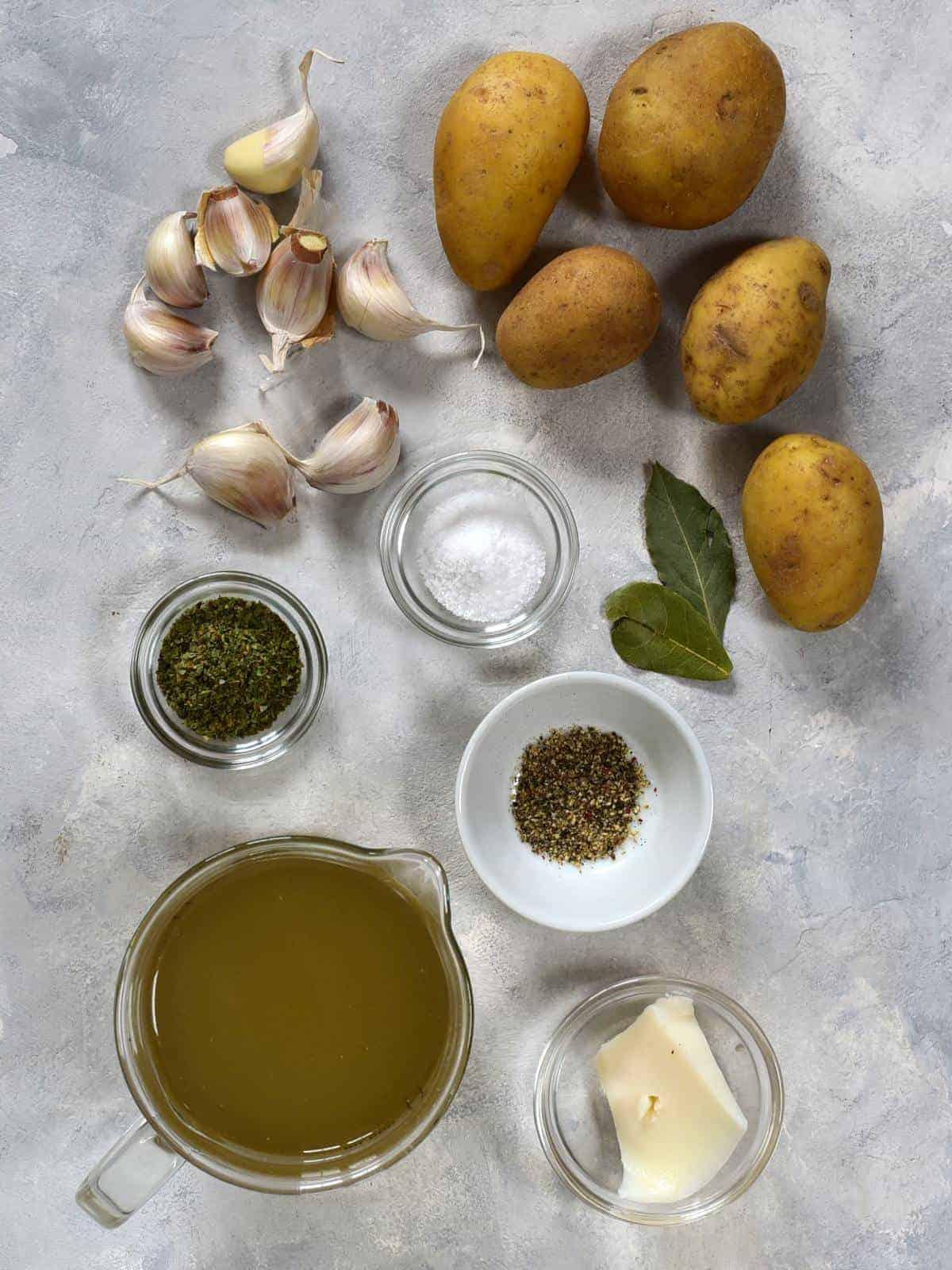 Czech česnečka ingredients