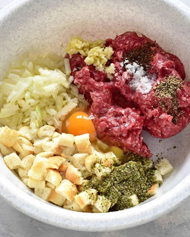 preparing czech sekaná meatloaf