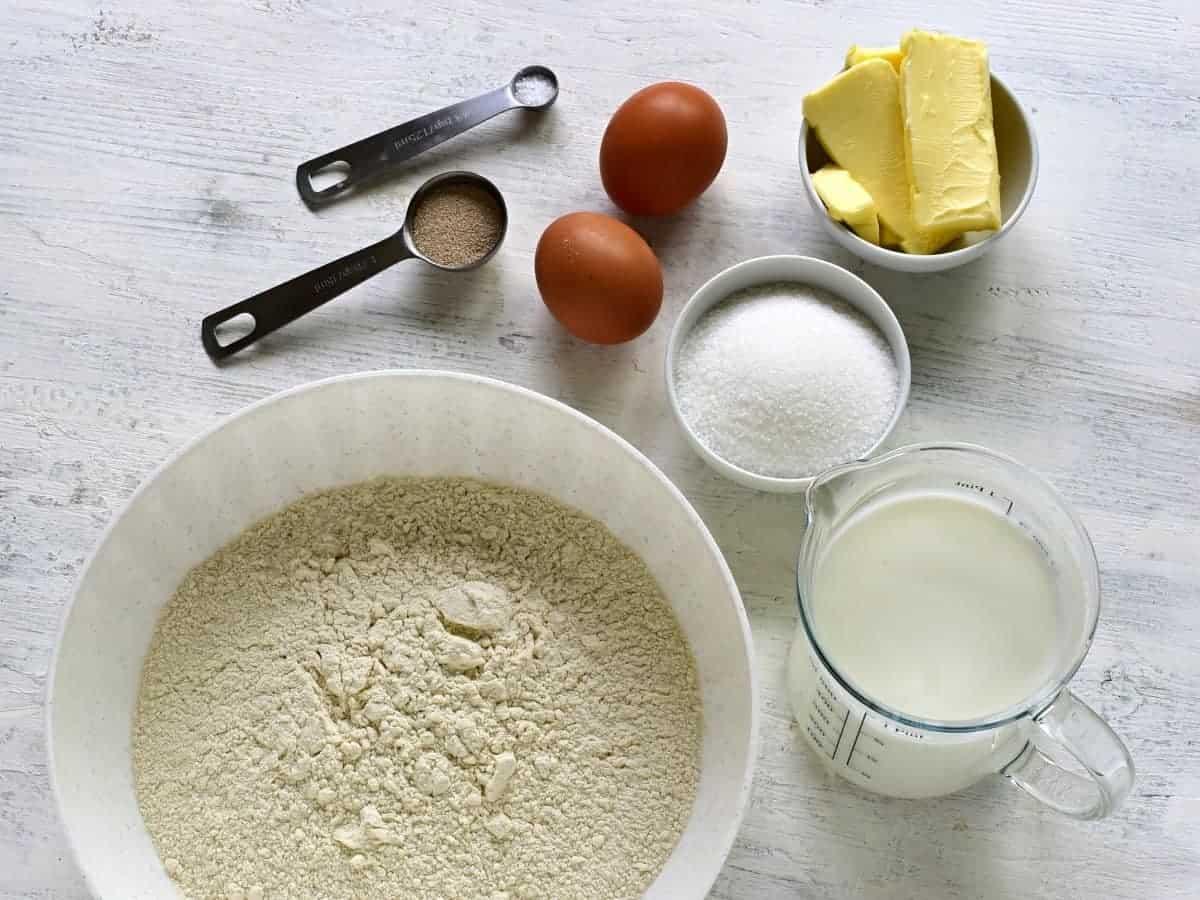 ingredients for yeast dough české buchty