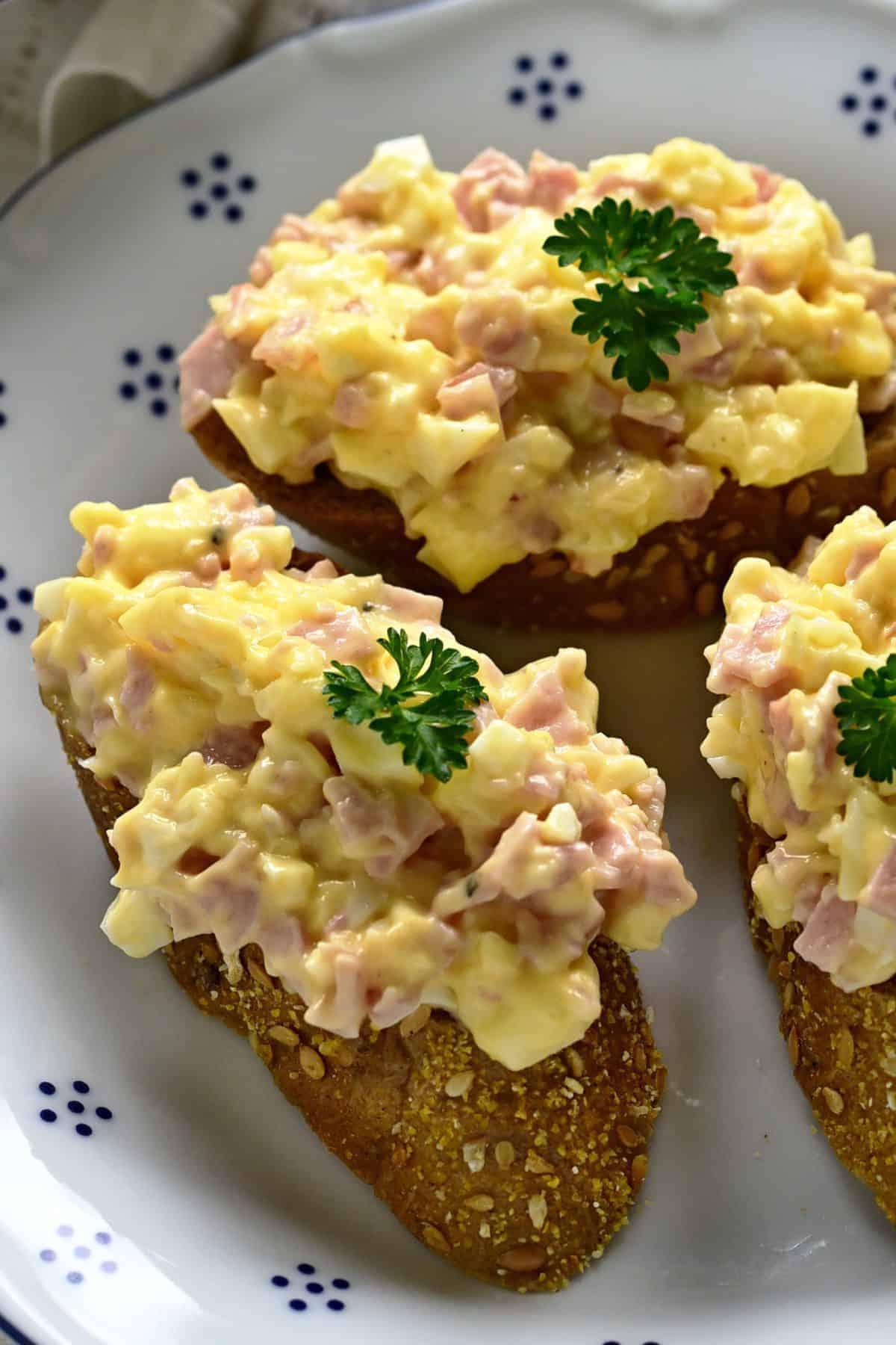 czech hermelínová pomazánka spread on baquette slices