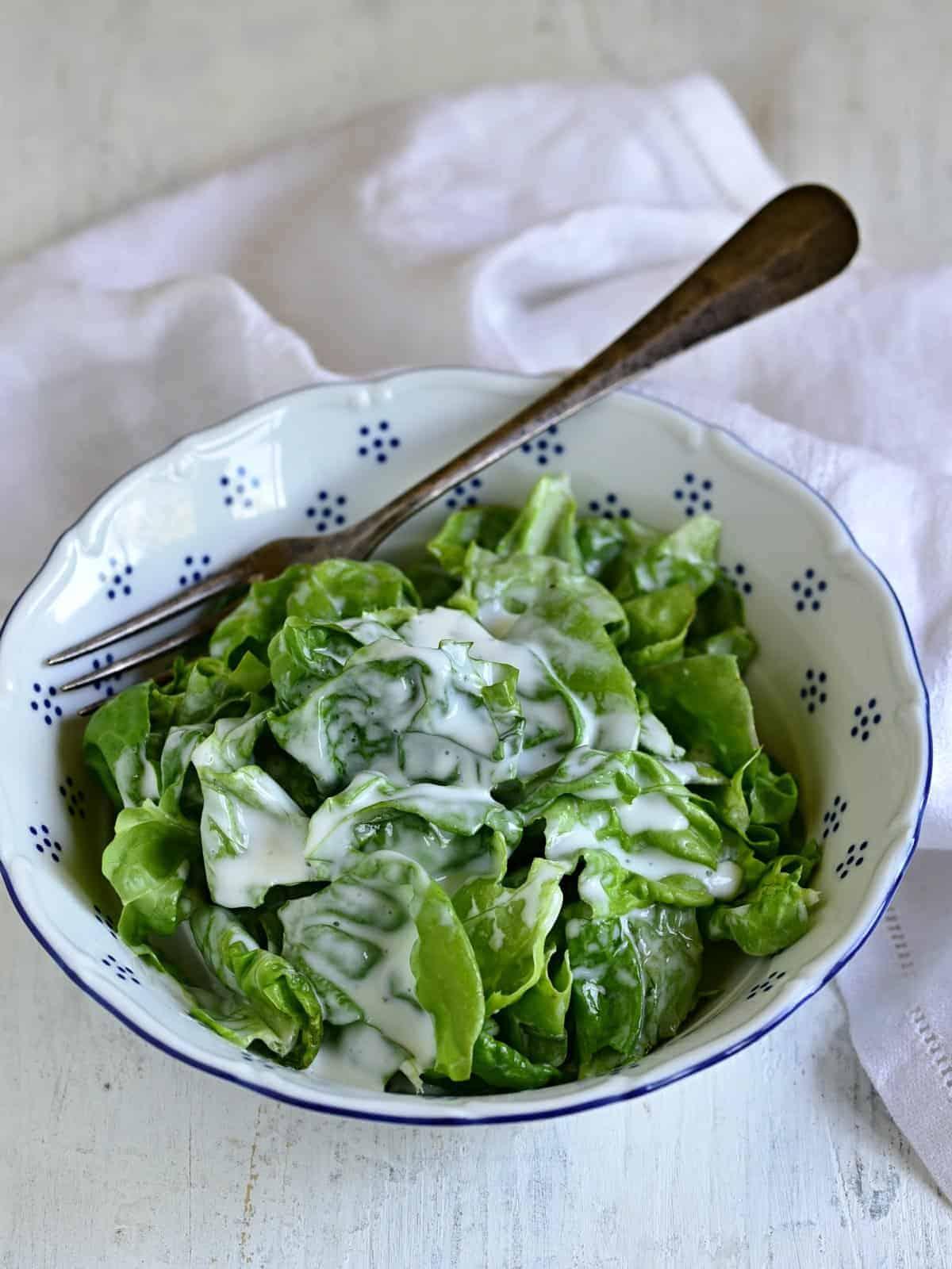head lettuce with buttermilk dressing czech hlávkový salát s kefírem