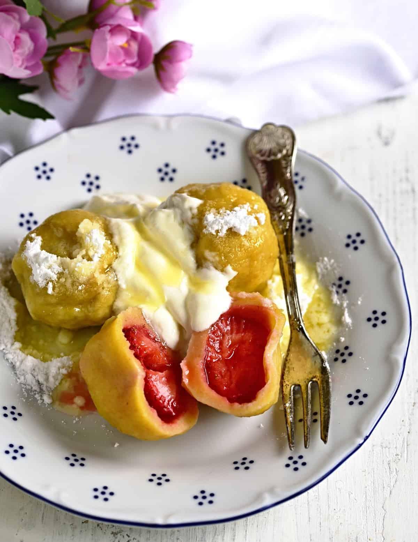 strawberry dumplings czech jahodové knedlíky