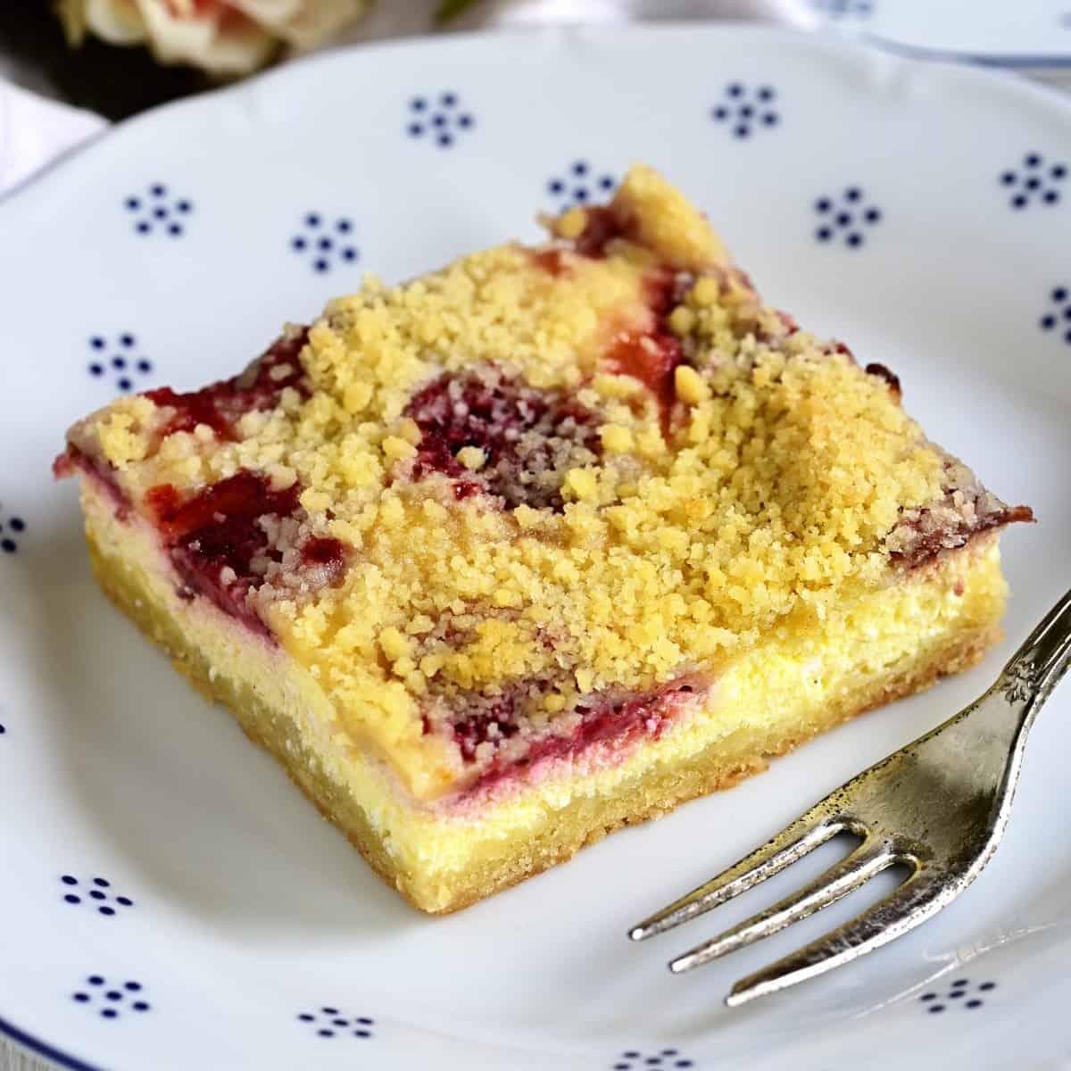 Czech tvarohový koláč served on a dessert plate