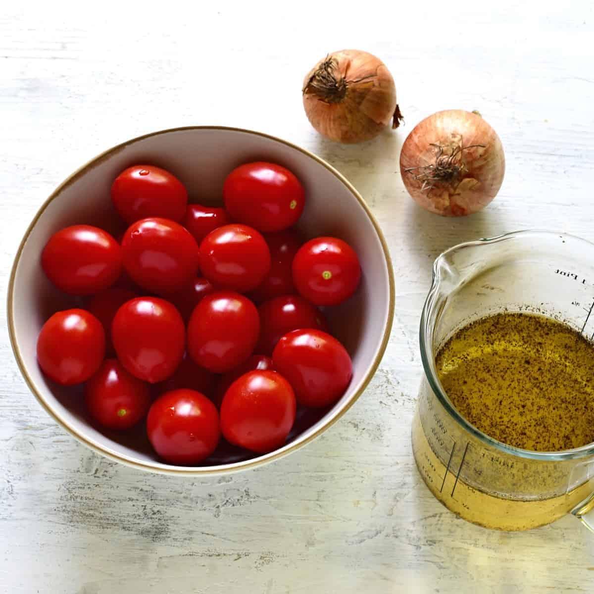 Czech tomato salad ingredients