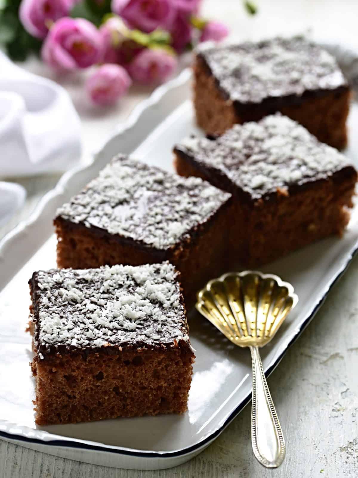 Czech buttermilk sheet cake - kefírová buchta.