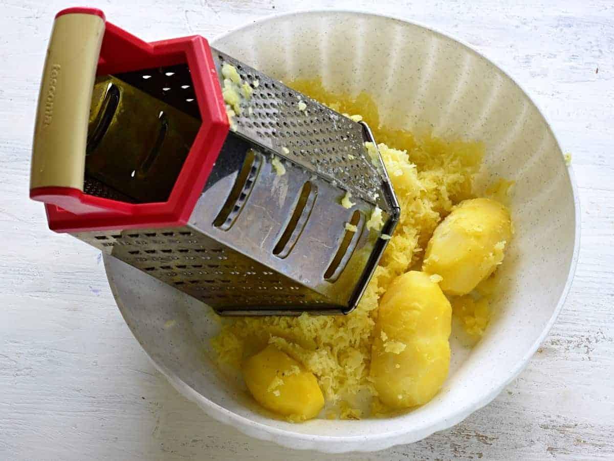 grating cooked potatoes for dumplings