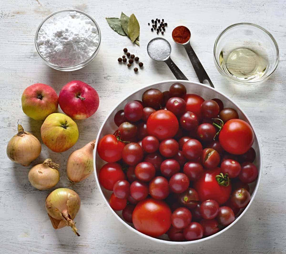 What you need for homemade ketchup - ingredients.