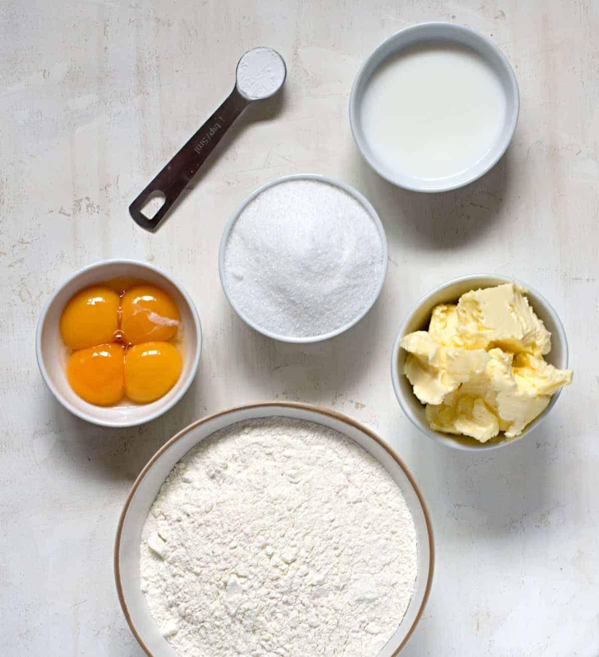Apple slices ingredients.